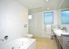 Peppers Christchurch Clearwater Resort - Christchurch - Bathroom