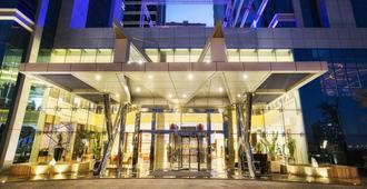 Ghaya Grand Hotel - Dubai - Building
