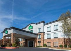 Wingate by Wyndham Columbus - Columbus - Building