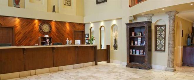 Hotel Brossard - Brossard - Front desk