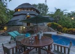 Hornbill Lodge - Kariba - Pool