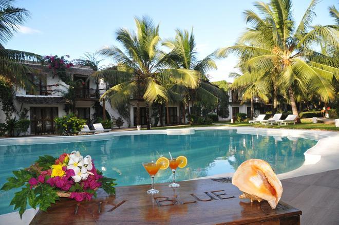 My Blue Hotel - Nungwi - Pool