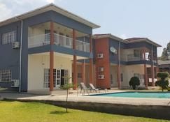 Top Lodge - Blantyre - Gebouw