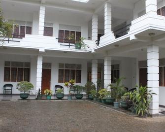 Hotel Senora Kataragama - Kataragama - Building