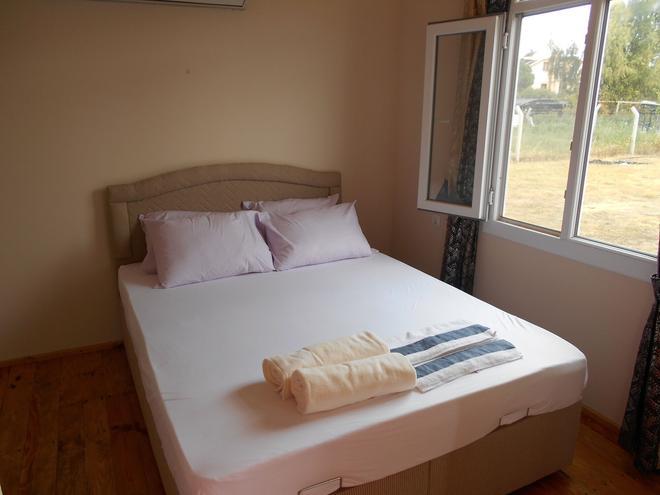 Red's Bungalow - Altinkum (Aydın) - Bedroom