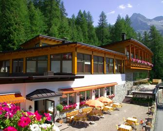Hotel Zebru - Solda - Building