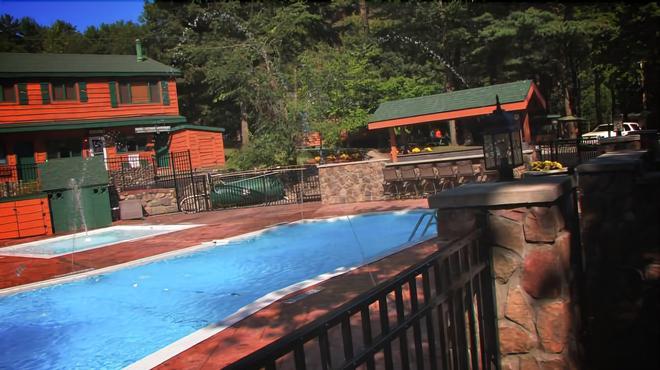 Adirondack Diamond Point Lodge - Lake George - Pool