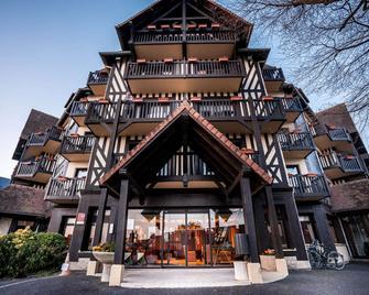 Best Western Plus Hostellerie Du Vallon - Trouville-sur-Mer - Gebäude