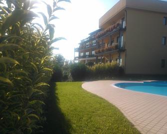 Hotel Riva del Sole - Moniga del Garda - Piscina