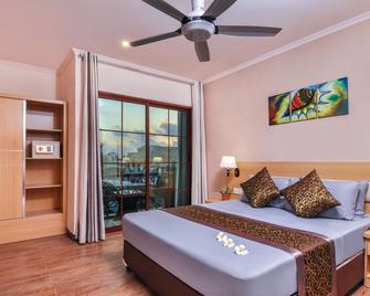 Triton Beach Hotel & Spa - Maafushi - Bedroom