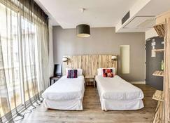 Brit Hotel Marbella - Biarritz - Bedroom