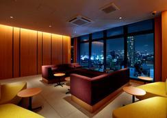 Candeo Hotels Osaka Namba - Ōsaka - Area lounge