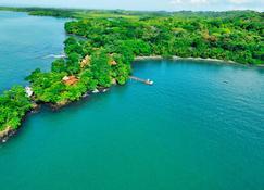 Cala Mia Boutique Resort - Isla Boca Brava - Edificio