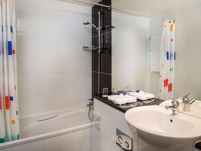 Park Inn Palace, Southend-on-Sea - Southend-on-Sea - Bathroom