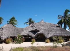 Ulala Lodge - Pemba - อาคาร