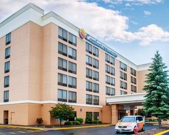 Comfort Inn & Suites Watertown - 1000 Islands - Watertown - Rakennus