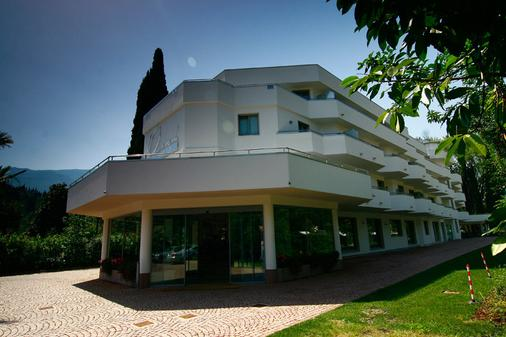 Oasi Wellness Spa - Riva del Garda - Building