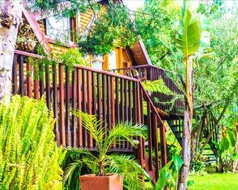 Knysna Tonquani Lodge & Spa - Knysna - Außenansicht
