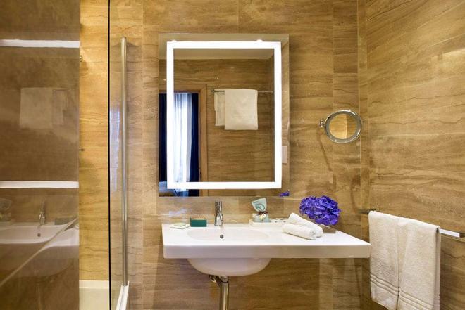 Starhotels Terminus - Naples - Bathroom