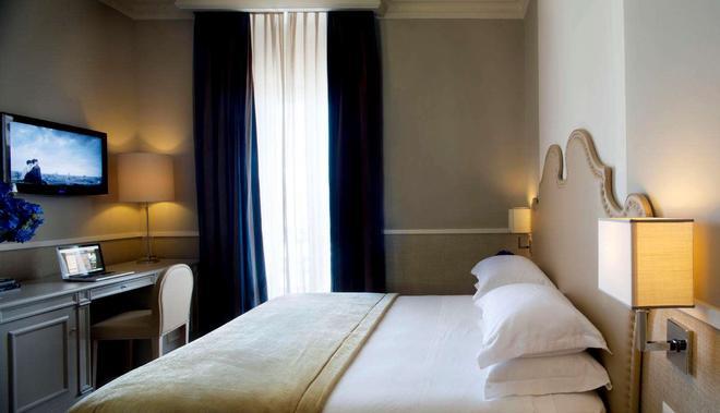 Starhotels Terminus - Naples - Bedroom