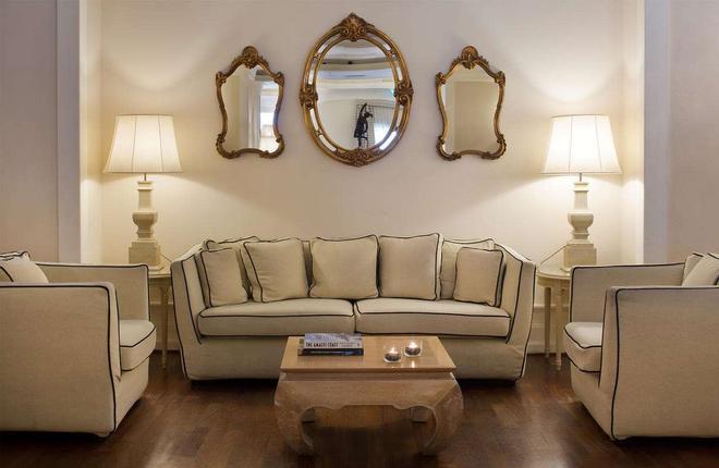 Starhotels Terminus - Naples - Living room