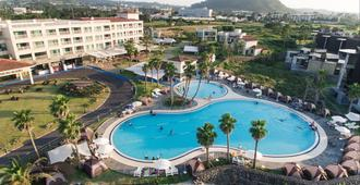 Jeju Marevo Resort - Ciudad de Jeju - Piscina
