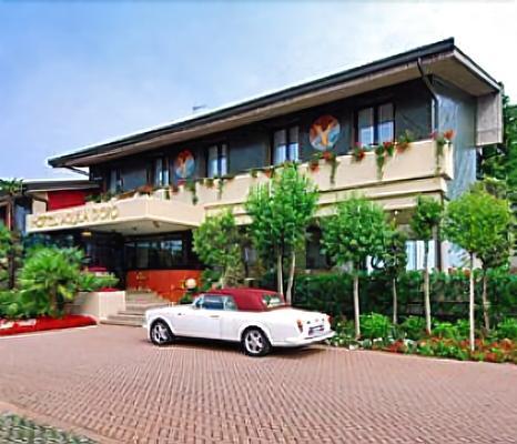 亞奎拉多羅酒店 - 迪塞薩諾德加達 - 代森扎諾-德爾加達 - 建築