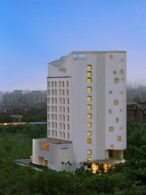Park Inn by Radisson New Delhi IP Extension - New Delhi - Building