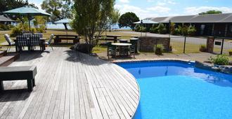 雪松湖濱渡假酒店 - 羅托魯瓦 - 羅托魯瓦 - 游泳池
