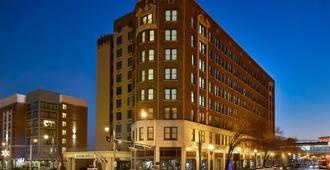 DoubleTree by Hilton Memphis Downtown - Memphis - Bygning