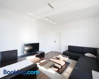 DD Apartments - Radebeul - Living room