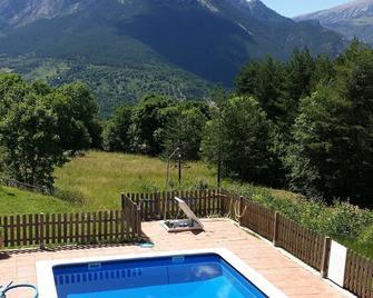 Hostal Pedraforca - Saldes - Pool