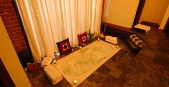 The Dwarika's Hotel - Kathmandu - Phòng tắm