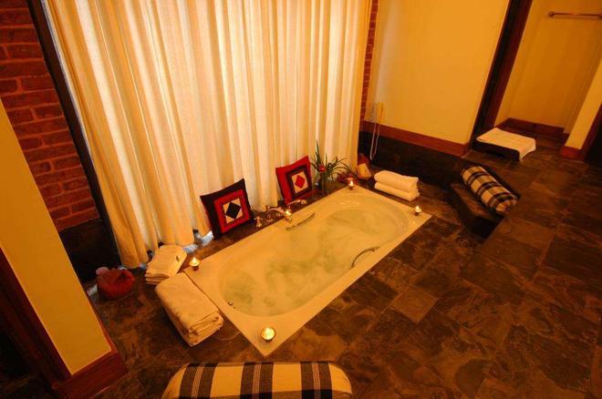 The Dwarika's Hotel - Kathmandu - Kylpyhuone