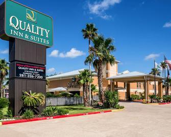 Quality Inn & Suites Seabrook- NASA- Kemah - Seabrook - Gebouw