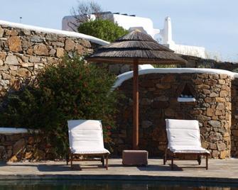 Villa Maria Boutique Apartments - Elia - Pool