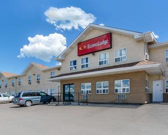Econo Lodge - Regina - Building