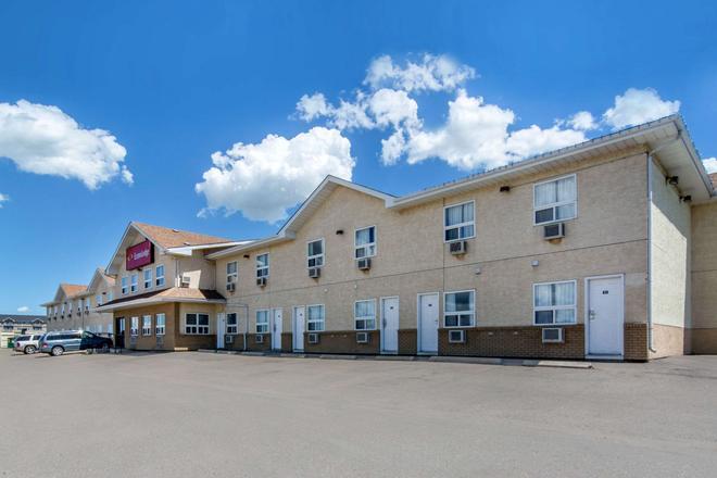 Econo Lodge - Regina - Rakennus