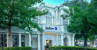 Radisson Blu Marina Hotel Connaught Place - ניו דלהי - בניין
