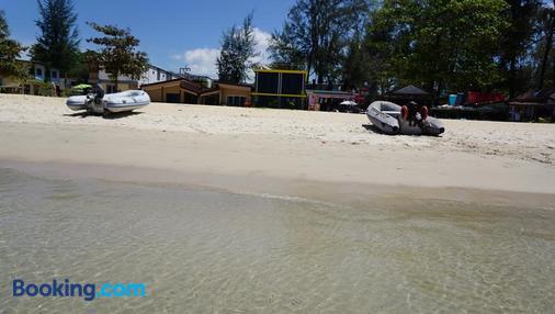 TT Naiyang Beach Phuket - Sakhu - Beach