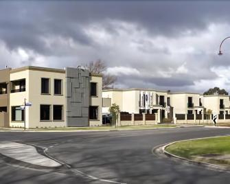 May Park Executive Apartments - Horsham - Κτίριο