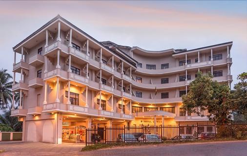 Devon Hotel - Kandy - Building
