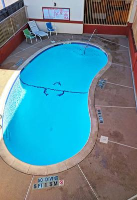 Americas Best Value Inn Brownsville - Brownsville - Pool