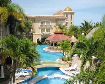 Hotel Quinta Real - La Ceiba - Pool