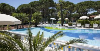 Hotel Delle Nazioni - Lignano Sabbiadoro - Piscina