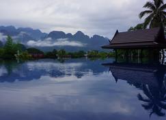 Silver Naga Hotel - Vang Vieng - Outdoor view