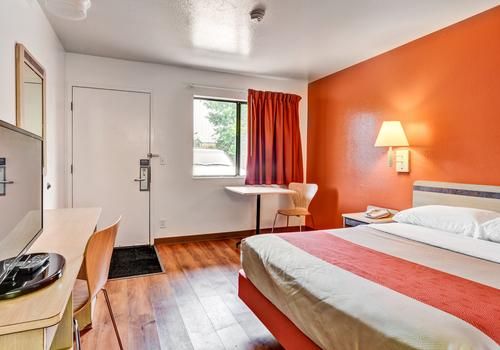 Motel 6 Pittsburgh Crafton C 64 C 8 4 Pittsburgh Hotel Deals Reviews Kayak