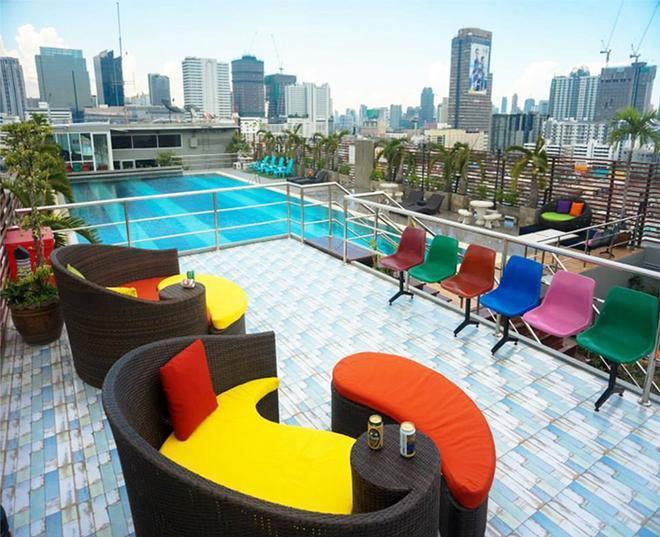 Witchuwan Sport & Spa Apartel - Bangkok - Piscina
