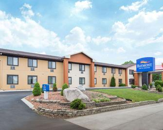 Baymont Inn & Suites Waukesha - Waukesha - Gebäude
