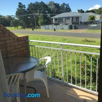 Beachside Motor Inn - Hervey Bay - Balcony